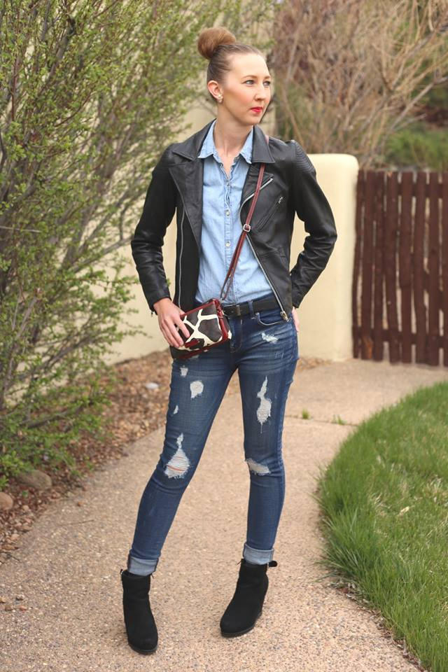 Blogger interview: Carly of Dresses & Denim showing you that beautiful outfits can also be practical